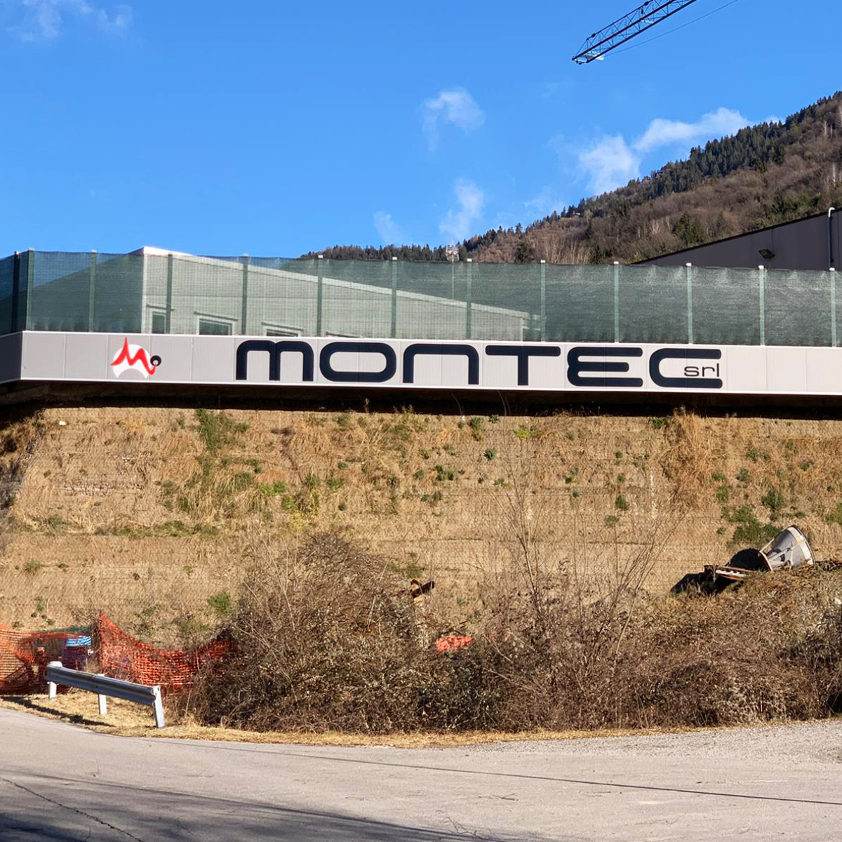 Progettazione grafica e realizzazione insegna per Montec (Cerete Bergamo)